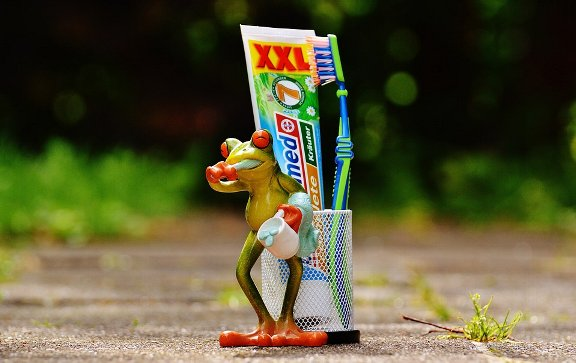 toothpaste-1446156_960_720